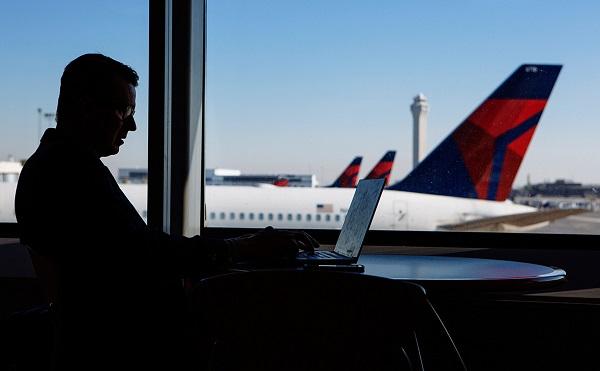 აშშ-ს საავიაციო ხელისუფლებამ თვითმფრინავის ბორტზეMacBook Pro-სზოგიერთი მოდელის ატანა აკრძალა