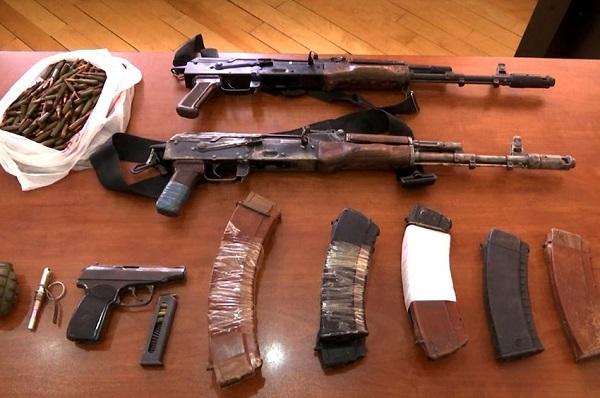სამეგრელოს პოლიციამ უკანონო ცეცხლსასროლი იარაღი და საბრძოლო მასალა ამოიღო