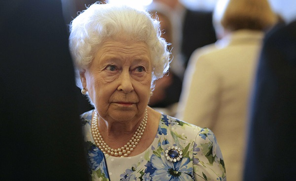 დედოფალი ელისაბედი იმედგაცრუებულია ბრიტანელი პოლიტიკოსების მმართველობით - The Sunday Times