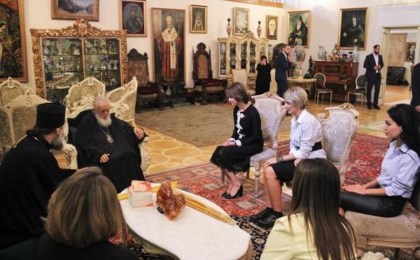 პატრიარქმა დალოცა ჯანდაცვის მინისტრი ეკატერინე ტიკარაძე