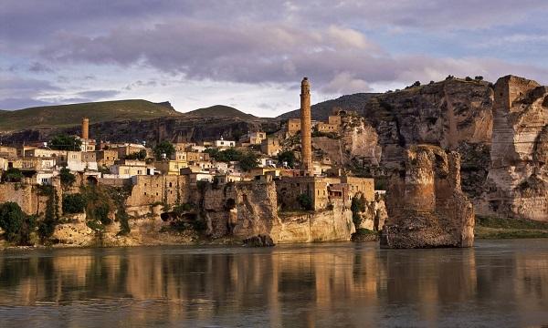 თურქეთი კაშხლის ასაშენებლად უძველესი ქალაქის დატბორვას გეგმავს