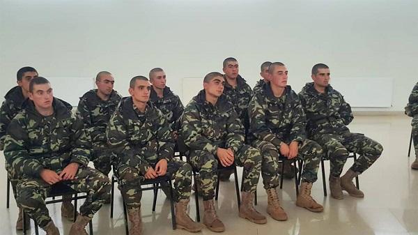 ეროვნული უმცირესობების წარმომადგენელი წვევამდელები კოჯრის სამხედრო ბაზაზე სახელმწიფო ენას შეისწავლიან