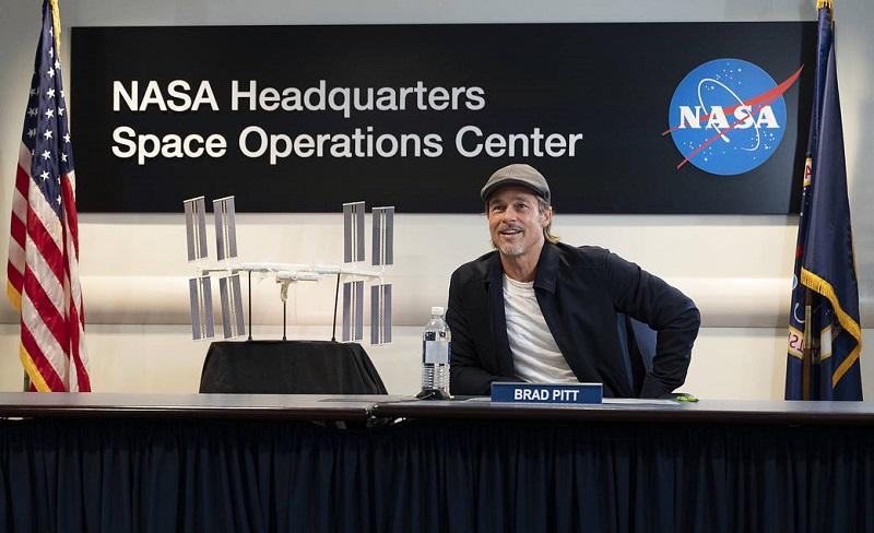 ბრედ პიტი Nasa-ს ცენტრს ესტუმრა და საერთაშორისო კოსმოსურ სადგურზე მყოფასტრონავტს ესაუბრა