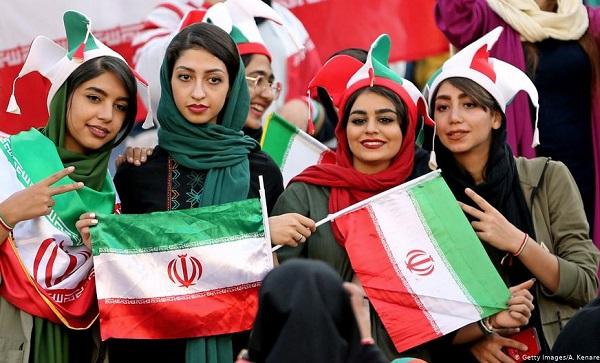 ბოლო 40 წლის განმავლობაში პირველად, ირანელი ქალები ფეხბურთის მატჩს დაესწრნენ