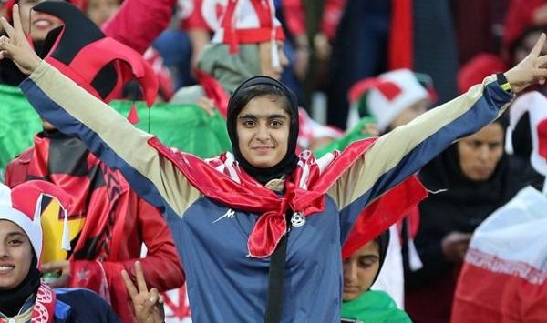 ირანში ფეხბურთის მატჩებზე ქალების დასწრების უფლებას აპროტესტებენ