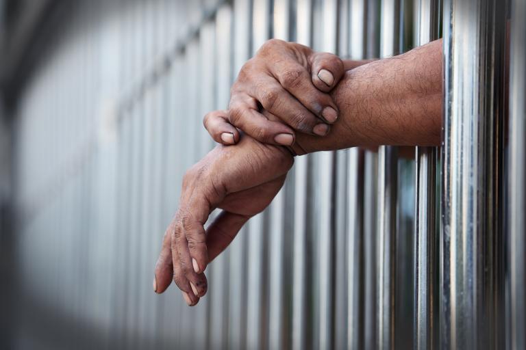 აშშ-ში 86 წლის მამაკაცი 39 წლის წინ ჩადენილი მკვლელობისთვის დააკავეს