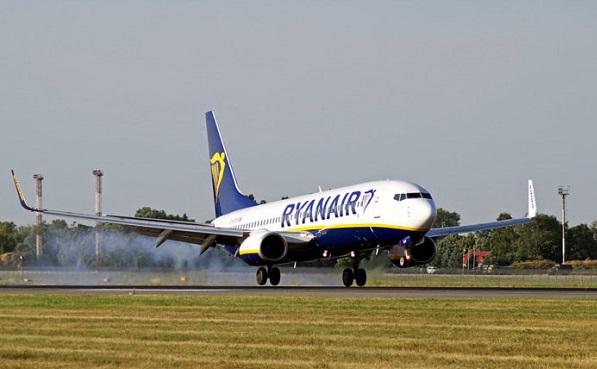 რამდენს შოულობს Ryanair-ი  მგზავრიდან და რამდენს ხარჯავს მის ტრანსპორტირებაზე?