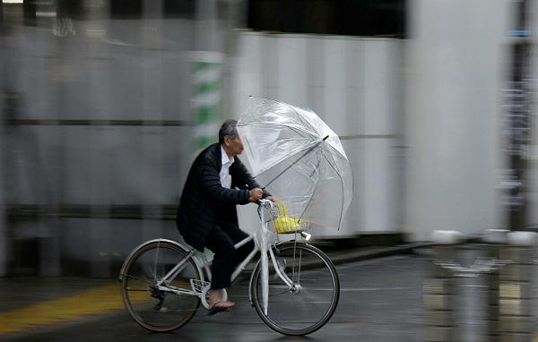 ტაიფუნი იაპონიაში - ქვეყანა უპრეცედენტო მასშტაბის წვიმისა და ქარიშხლის მოლოდინშია