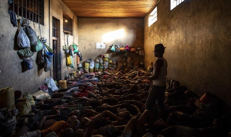 მადაგასკარში ვანილის მარცვლების მოპარვისთვის 180-მდე ბავშვს რამდენიმე წლითპატიმრობა ემუქრება | ვიდეო