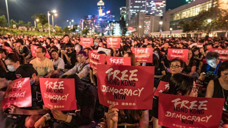 ჰონგ-კონგში საპროტესტო აქციების გამო პარლამენტის შენობიდან ევაკუაცია განხორციელდა
