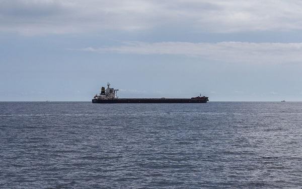 ირანულ ტანკერზე ხანძრის გაჩენამ წითელ ზღვაში დიდი რაოდენობით ნავთობის ჩაღვრა გამოიწვია