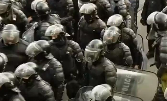 პოლიციის მიერ აქციის მონაწილეებისათვის მიცემული ულტიმატუმის ვადა ამოიწურა