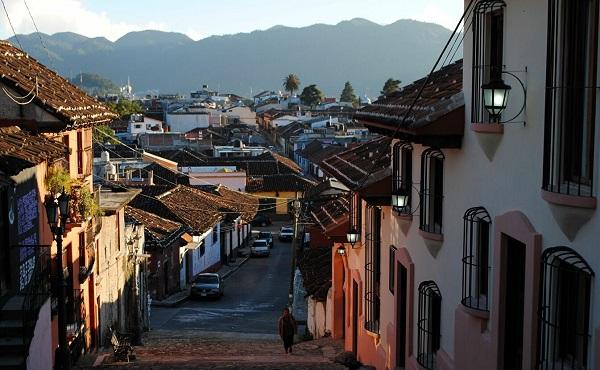 მექსიკაში 6.3 მაგნიტუდის სიმძლავრის მიწისძვრა მოხდა