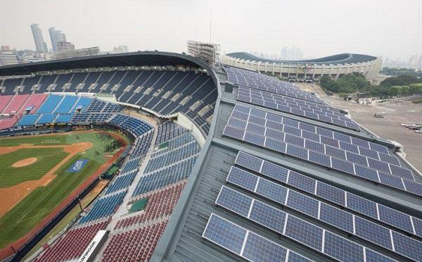სეულში, ყველა საჯარო დანიშნულების შენობასა და მილიონამდე სახლზე მზის პანელებს დაამონტაჟებენ