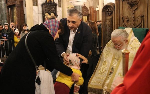 სამების საკათედრო ტაძარში 61-ე საყოველთაო ნათლობა ჩატარდა