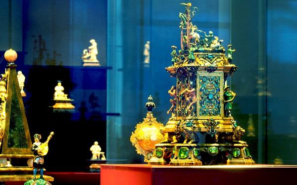 დრეზდენის მუზეუმიდან 1 მლრდ ევროს ღირებულების ძვირფასეულობა მოიპარეს