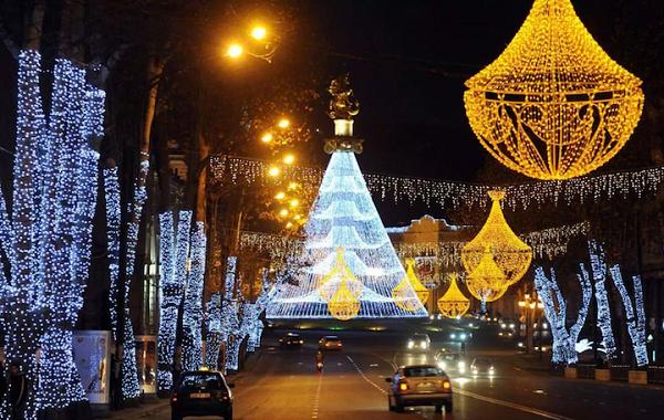 თბილისში საახალწლო განათებების მონტაჟი იწყება