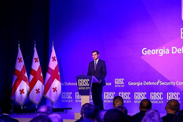 დარწმუნებული ვარ, ერთობლივი ძალისხმევით, დავძლევთ მნიშვნელოვან გამოწვევებს, რომელიც გაგვაჩნია ჩვენი ქვეყნის ოკუპაციასთან დაკავშირებით - თორნიკე რიჟვაძე