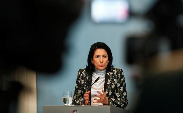 სალომე ზურაბიშვილი კლაუს იოჰანისს რუმინეთის საპრეზიდენტო არჩევნებში გამარჯვებას ულოცავს