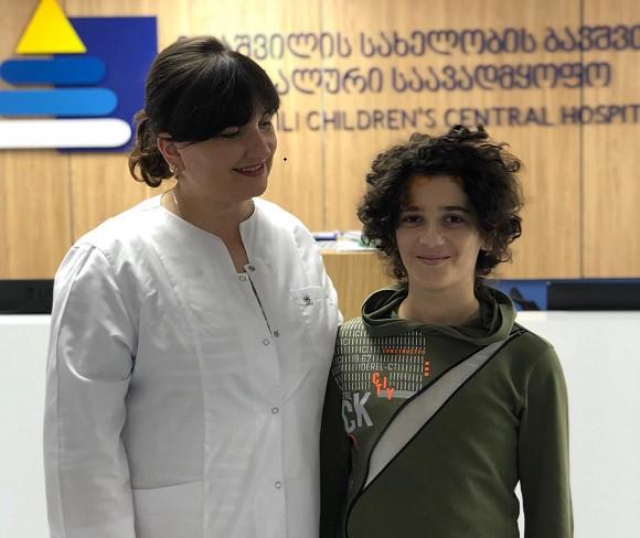 როგორია 12 წლის ბავშვის ჯანმრთელობის მდგომარეობა, რომელსაც თბილისში მატარებელი დაეჯახა