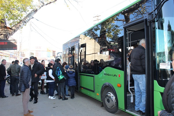 სოფელ დიღომში ავტობუსების ჩანაცვლების პროცესი მიმდინარეობს