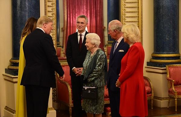 ბრიტანეთის დედოფალმა ნატოს წევრი ქვეყნების ლიდერებს ბუკინგემის სასახლეში უმასპინძლა
