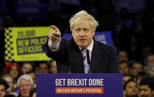 ბრიტანეთის საპარლამენტო არჩევნებში კონსერვატორები დიდი უპირატესობით იმარჯვებენ