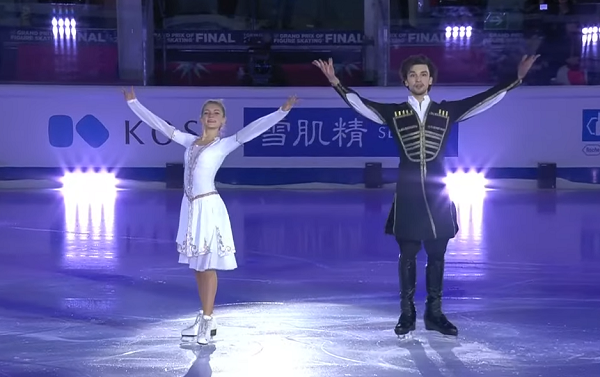 ტურინის ყინულის ოლიმპიურ არენაზე აჟღერებული ქართული საცეკვაო მელოდია  - მარია კაზაკოვასა და გიორგი რევიას გამოსვლა