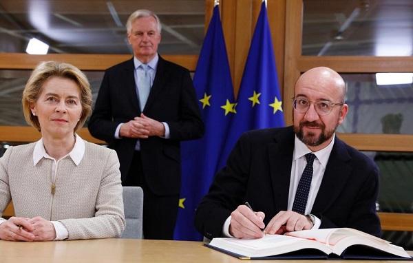 ევროკომისიისა და ევროკავშირის საბჭოს პრეზიდენტებმა ხელი მოაწერეს ბრექსიტის შეთანხმებას