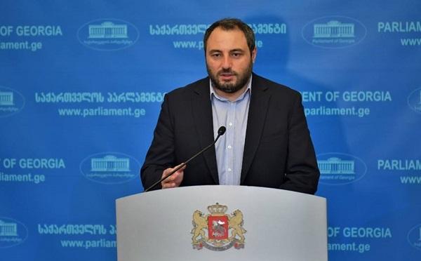 რომელიღაცა პოლიტიკოსი, ამერიკელი, არ ვიცი რა მოტივაციით, თავს უფლებას აძლევს, ჭკუა ასწავლოს ქართულ სახელმწიფოს - ბექა ნაცვლიშვილი
