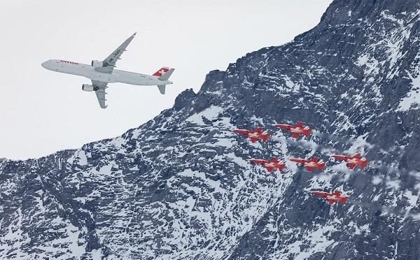 Swiss-მა ალპებში ავიაშოუ მოაწყო