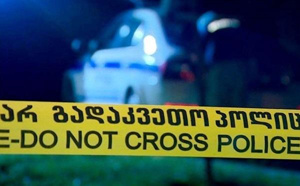 ჭოპორტში მამაკაცმა დედა და და ცეცხლსასროლი იარაღით მოკლა