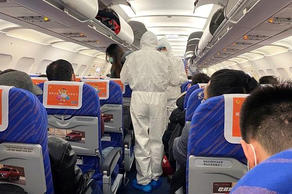 რა უნდა გააკეთოს თვითმფრინავის მგზავრმაკორონავირუსისგანთავის დასაღწევად