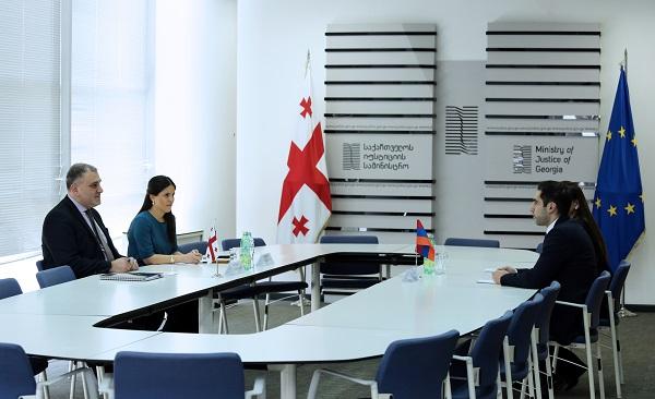 სომხეთის იუსტიციის მინისტრის მოადგილე წარმატებულ ქართულ რეფორმებს სამუშაო ვიზიტის ფარგლებში ეცნობა