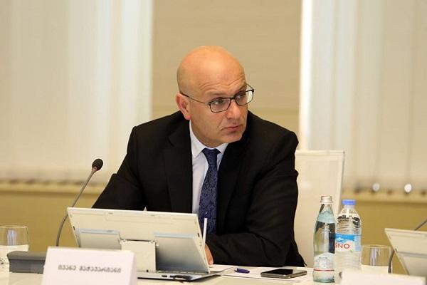 ADB-ის პრეზიდენტი საქართველოს ფინანსთა მინისტრთან სატელეფონო საუბრისას COVID-19-ის წინააღმდეგ ბრძოლაში საქართველოს მტკიცე მხარდაჭერას უცხადებს