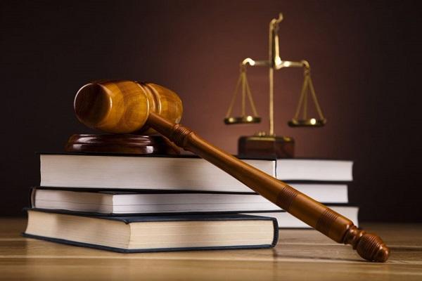 განზრახ მკვლელობისთვის, ძარცვისთვის და სხვისი ნივთის განზრახ დაზიანებისთვის ბრალდებულს 10 წლით თავისუფლების აღკვეთა მიესაჯა