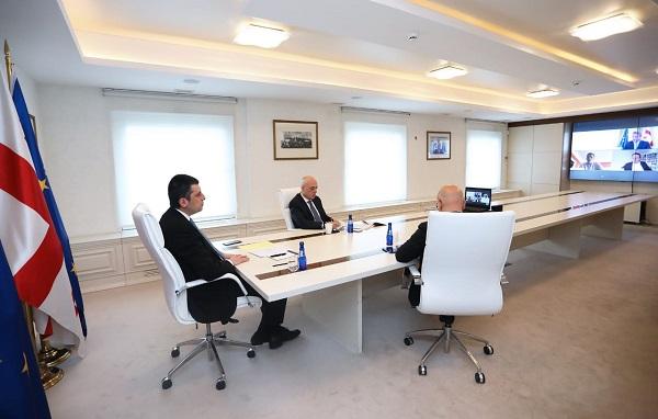 საქართველოს პრემიერ-მინისტრმა ევროკომისარ ოლივერ ვარჰელისთან ვიდეოკონფერენცია გამართა