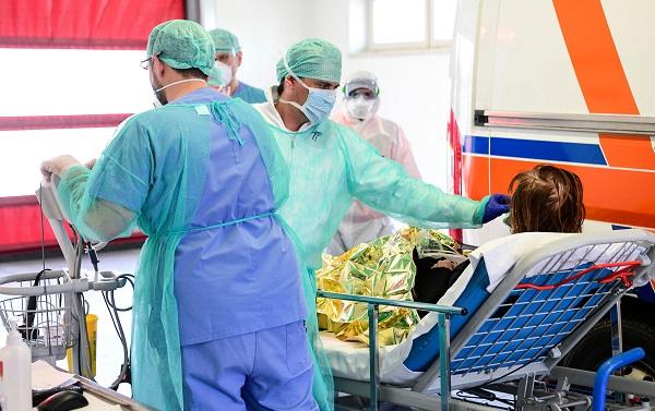 ბოლო 24 საათში იტალიაში კორონავირუსს კიდევ 636 ადამიანი ემსხვერპლა