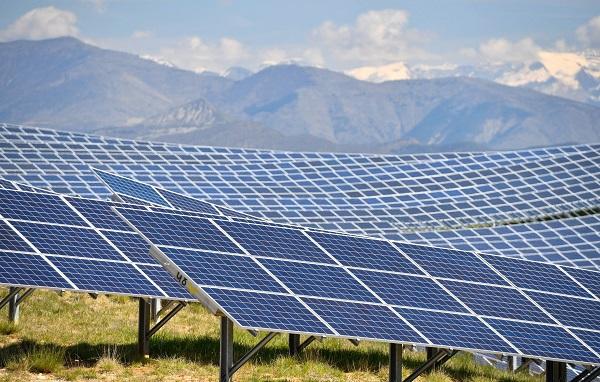 ქუთაისში წარმოებული მზის ენერგიის მოდულების პირველი პარტია აშშ-ში გაიგზავნა