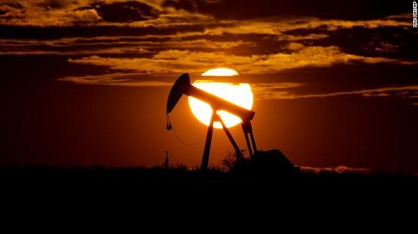საერთაშორისო ენერგეტიკული სააგენტო ნავთობზე მოთხოვნილების პანდემიამდე არსებულ ოდენობამდე აღდგენას 1 წლის შემდეგ ვარაუდობს