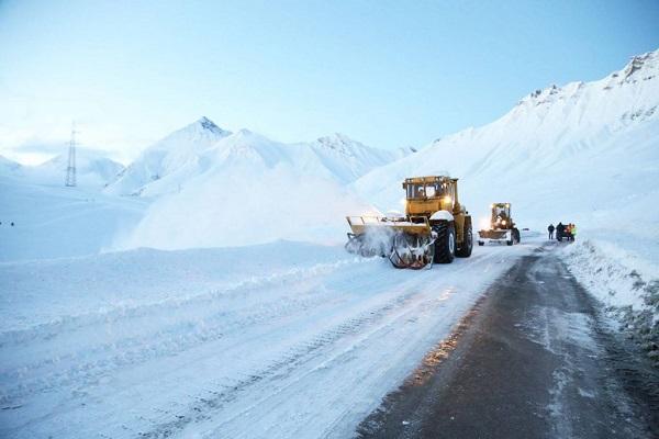 ინტენსიური თოვის  გამო, გუდაური-კობის მონაკვეთზე, ყველა სახის ავტოტრანსპორტისთვის  მოძრაობა აკრძალულია