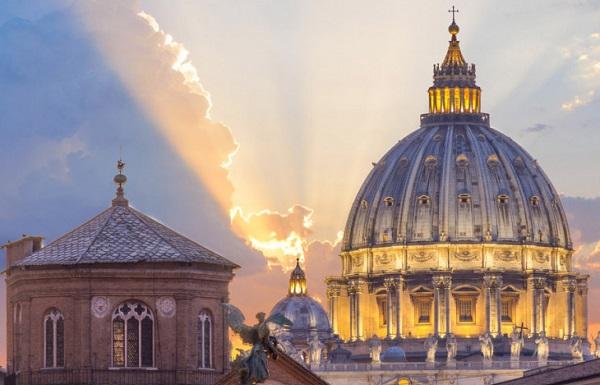 ვატიკანში წმინდა პეტრეს ბაზილიკა გაიხსნა ვიზიტორებისთვის