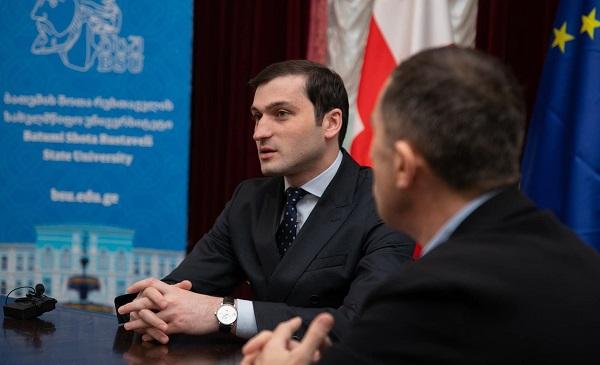 თორნიკე რიჟვაძე ბათუმის სახელმწიფო უნივერსიტეტის მენეჯმენტს შეხვდა