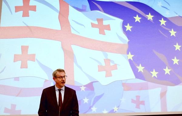 ევროკავშირი საქართველოს გვერდზე ყოფნით ამაყობს - კარლ ჰარცელი საქართველოს დამოუკიდებლობის დღეს ულოცავს