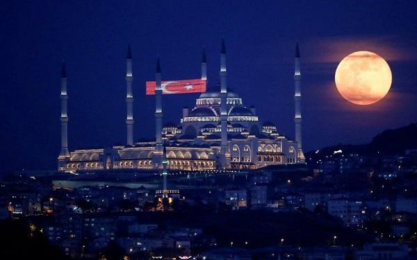 თურქეთის 31 პროვინციაში კვლავ დაწესდა კომენდანტის საათი