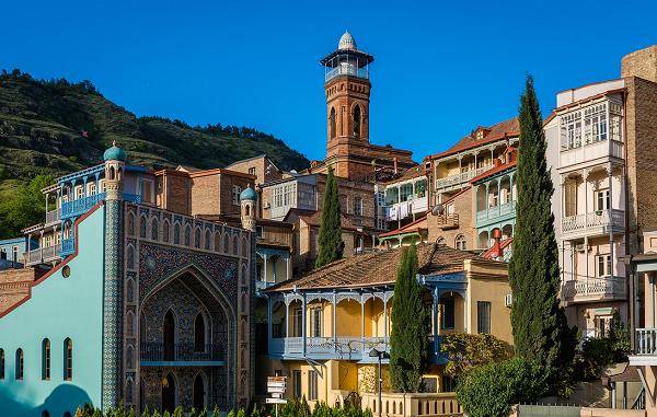 მსოფლიოში პოპულარული სამოგზაურო ჟურნალი The Culturetrip-ი მკითხველს თბილისში მოგზაურობას ურჩევს