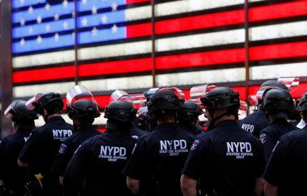 საპროტესტო აქციების გამო ნიუ იორკში კომენდანტის საათი გახანგრძლივდა