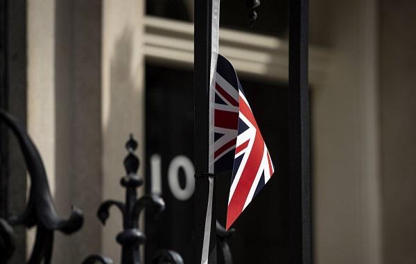 ბრიტანეთმა Covid-19-ის საფრთხის დონე 4-დან 3-მდე შეამცირა