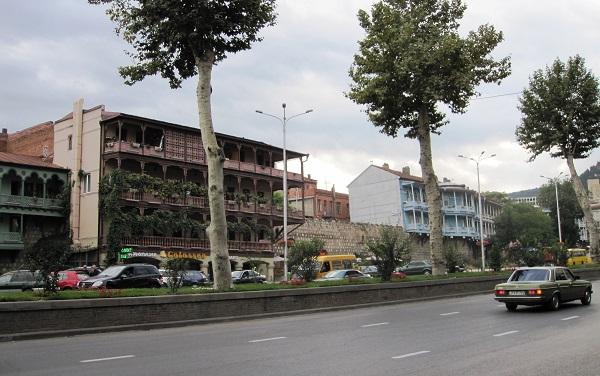 ბარათაშვილის ქუჩაზე მიმდინარე სამუშაოების გამო, საზოგადოებრივი ტრანსპორტი შეცვლილი მარშრუტით იმოძრავებს