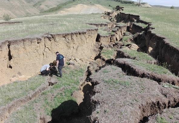 საველე გეოლოგიური კვლევები თბილისის ტერიტორიაზე